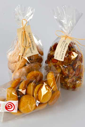 Terre homemade candied almonds