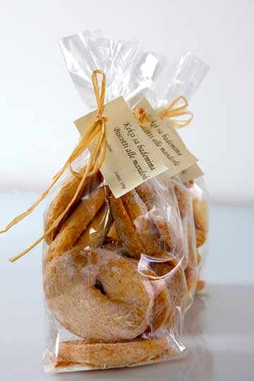 Terre homemade almond cookies